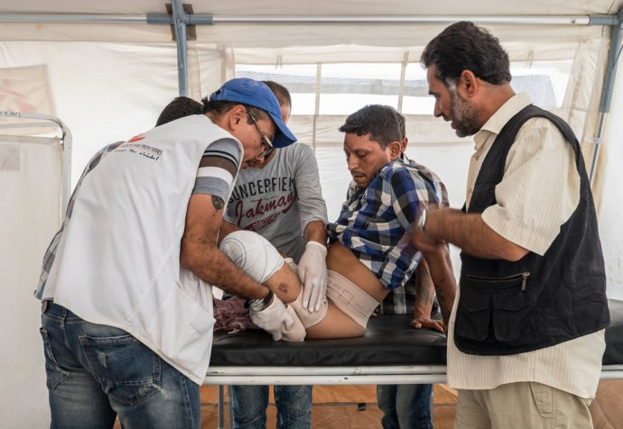 Medical care in Ain Issa camp