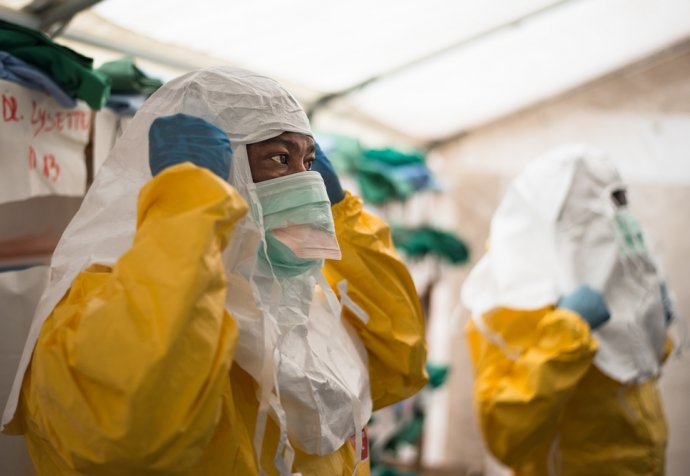 MSF team responds to Ebola